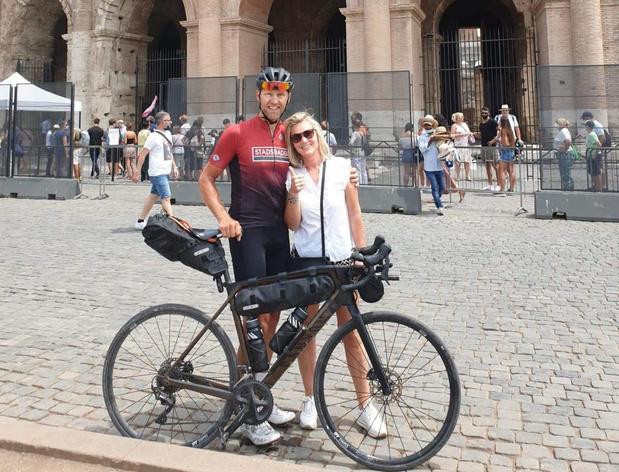 """Gullegemnaar Frederic Soete fietst 2.000 km naar Rome: """"Lastig, maar ook genieten"""""""