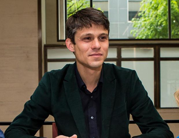 Vlaams jeugdminister en Dammenaar Benjamin Dalle vraagt in coronatijd begrip voor kwetsbare jongeren