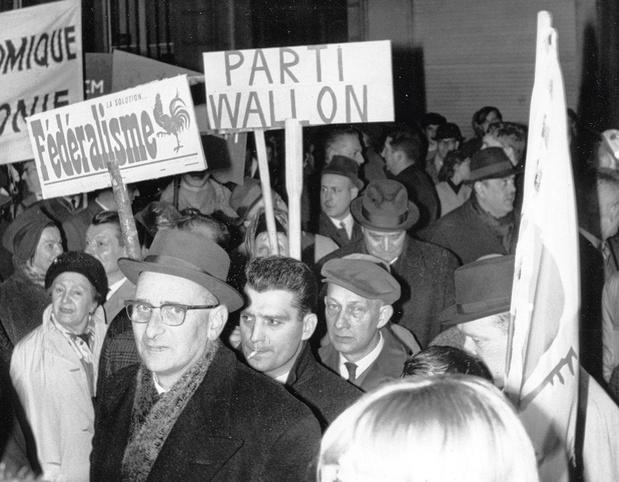 Le 23 mai 1965, l'envolée des partis communautaires belges