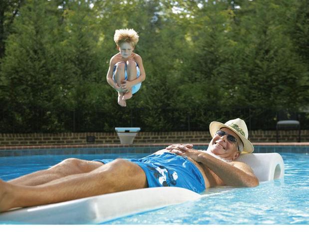 Een zwembad in je tuin: wat komt er bij kijken?