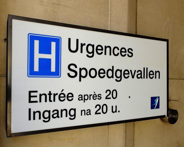 Le nombre d'infections en moyenne par jour atteint près de 350 en Belgique (+77% ; 2,3 décès/j)