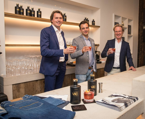 Nieuwe cocktail 'Happy Vic' verbindt mode- en brouwersfamilie