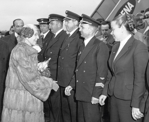 Le 23 mars 1955, la reine Elisabeth quitte Varsovie en attendant Moscou