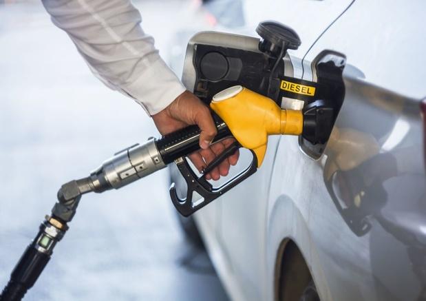 Neuf pays dont la Belgique veulent une date de fin pour les nouvelles voitures essence/diesel