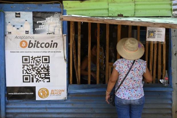 Le bitcoin désormais monnaie légale au Salvador en dépit des critiques et réticences