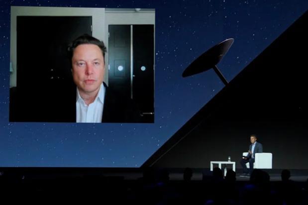 Le réseau de satellites Starlink de Musk fournira bientôt l'internet partout