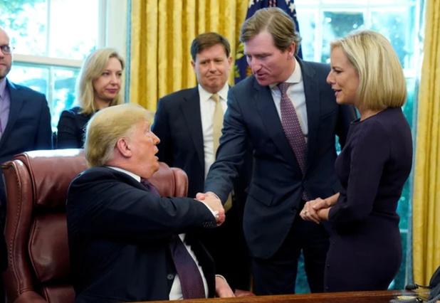 Donald Trump limoge un responsable qui conteste ses accusations de fraude