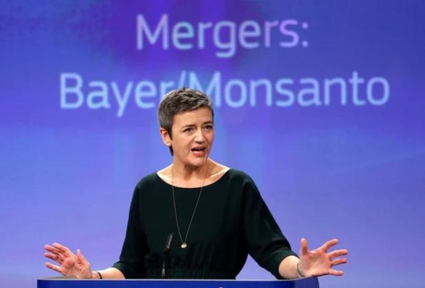 Une commissaire européenne se mêle au conflit opposant Apple et Facebook