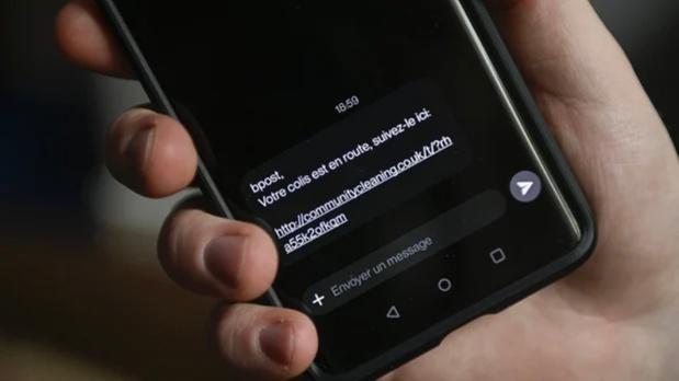 Gevaarlijk FluBot-virus doet opnieuw de ronde: ruim twee miljoen valse sms'en per dag