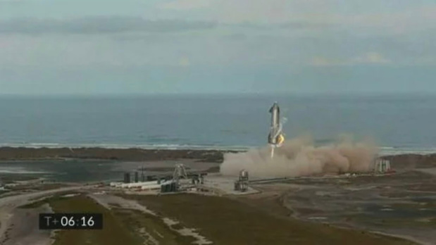 Un prototype de fusée SpaceX explose au sol quelques minutes après son atterrissage