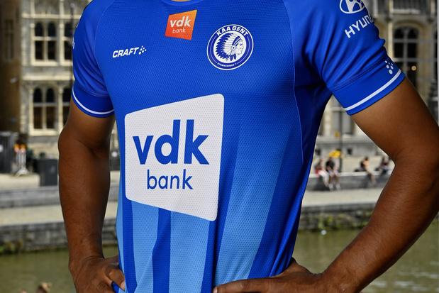 WIN een gesigneerd shirt van KAA Gent