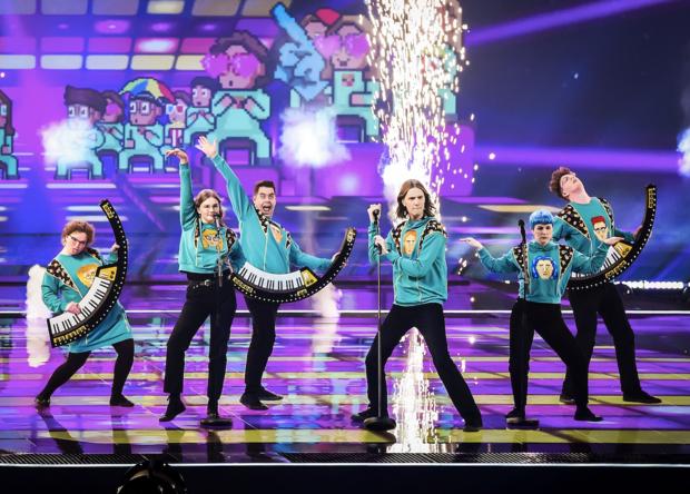 Eurosongfavoriet IJsland treedt niet meer live op na coronabesmetting