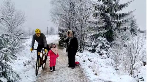 """""""On devient fous dans ce pays"""": l'affaire du cycliste suscite le malaise (humeur)"""