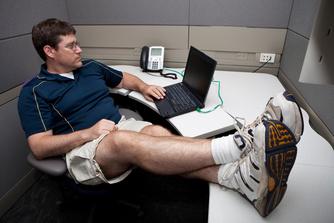 Wat riskeer je als je de kledijvoorschriften op je werk niet naleeft?