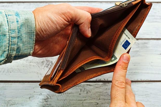 Corona : Si vous rencontrez des problèmes financiers, discutez-en au plus vite avec votre banquier !