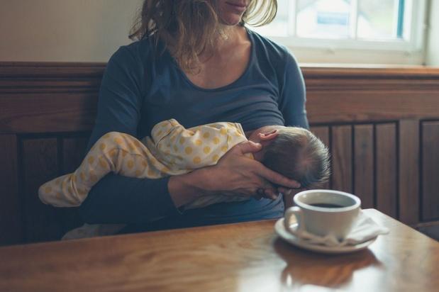 Les bienfaits de l'allaitement l'emportent sur le risque de transmission