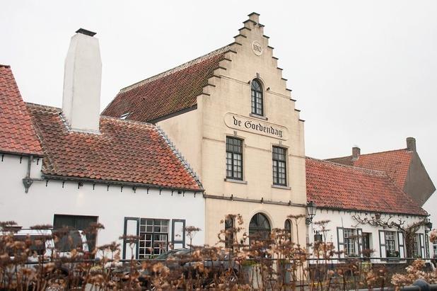 Charmant verblijf in Lissewege (Polders), ontbijt, diner en rondleiding in de wijnkelder met degustatie inbegrepen!