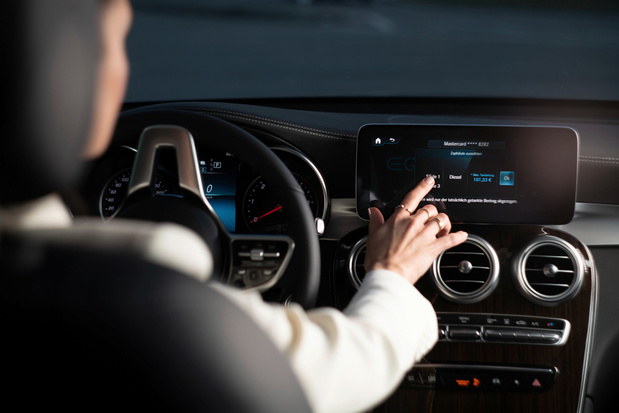 Mercedes lanceert 'Fuel & Pay'