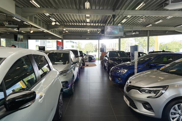 """Renault et Dacia lancent un nouveau service : le """"Live Chat"""""""
