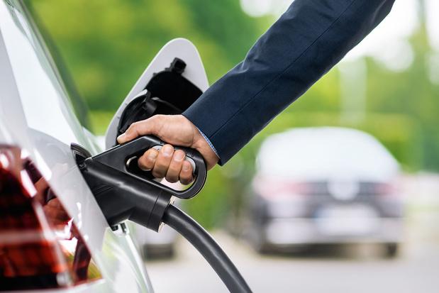Recharger sa voiture électrique en 10 minutes, bientôt possible ?
