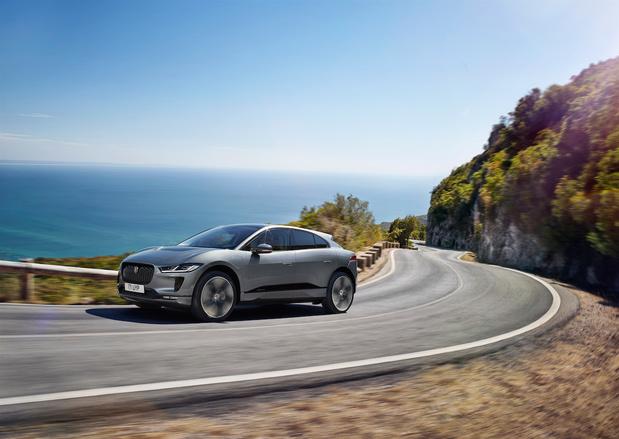 La Jaguar I-Pace mieux connectée et plus rapide à recharger
