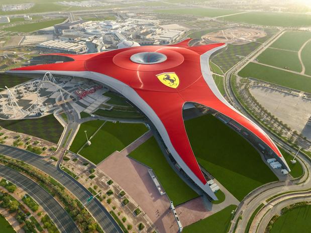 """Ferrari World Abu Dhabi, """"Meilleur parc à thème au monde"""""""