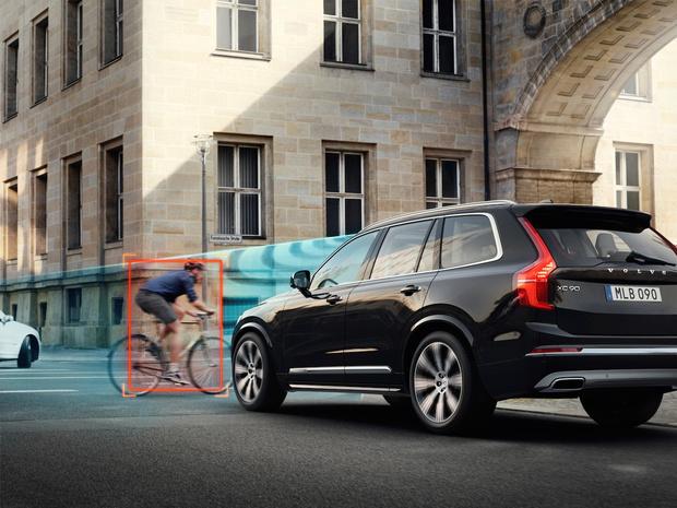 Volvo en POC denken aan de veiligheid van fietsers