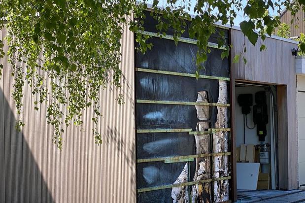 Garagegevel vat vuur in Loppem