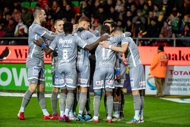 Waasland-Beveren klopt KV Oostende in degradatieduel