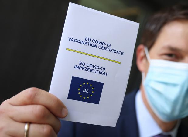 Voyage: Le certificat covid disponible en Belgique à partir du 16 juin