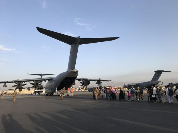 Un attentat à l'aéroport de Kaboul est très probable, à trois jours de la date butoir