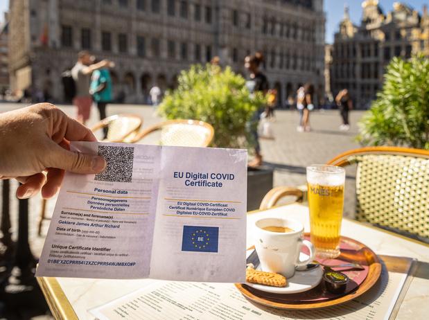Le Covid Safe Ticket n'entrera pas en vigueur le 1er octobre à Bruxelles