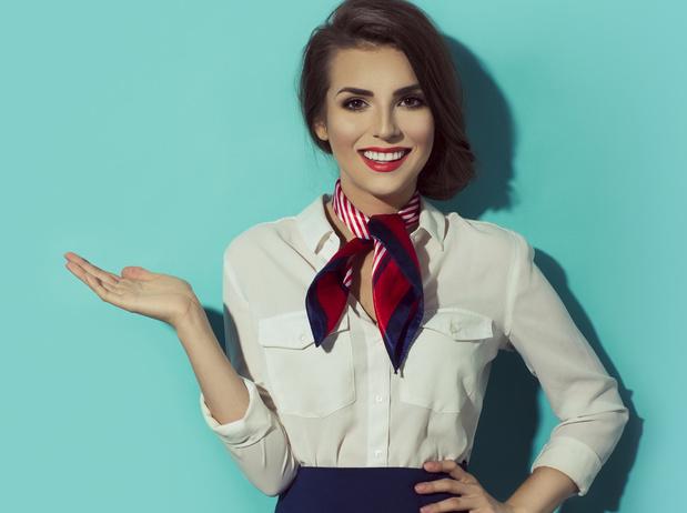 Une compagnie aérienne sommée de payer maquillage et épilation à ses hôtesses