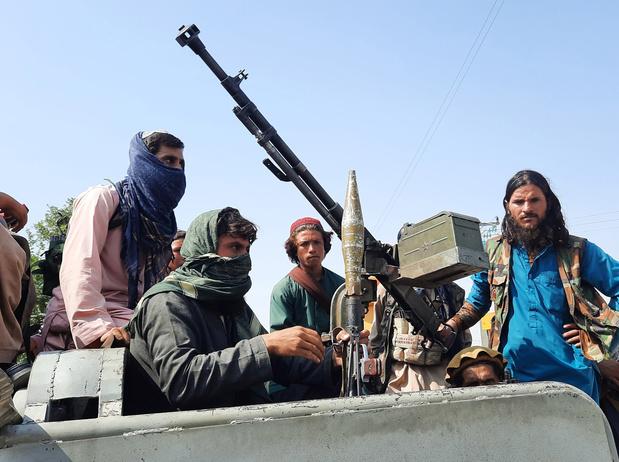 Qui est le Hibatullah Akhundzada, chef suprême des talibans, pour l'heure invisible?