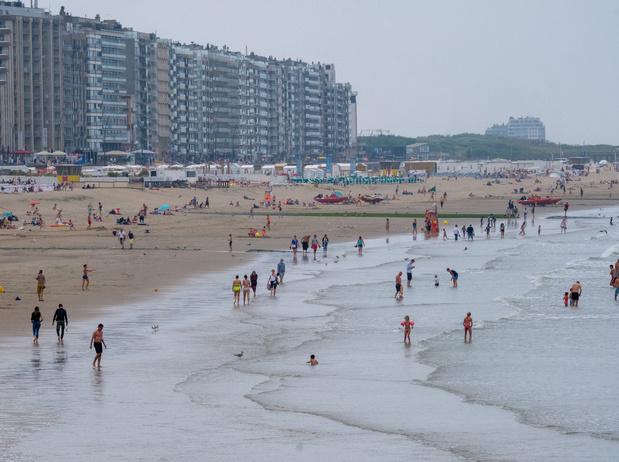 Bonne saison touristique pour la côte belge, malgré le mauvais temps