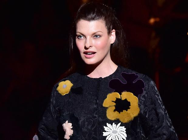 Le mannequin star Linda Evangelista défigurée après un traitement esthétique