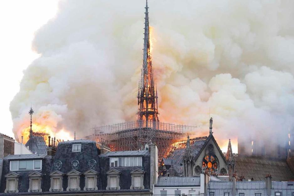 La cathédrale Notre-Dame à Paris en proie aux flammes (en images)