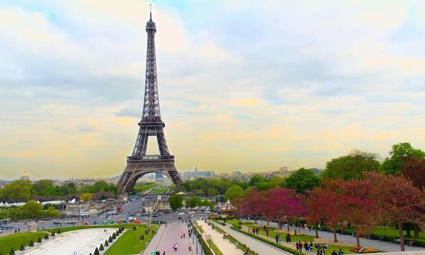 L'un des monuments les plus visités du monde, la Tour Eiffel, rouvre au public