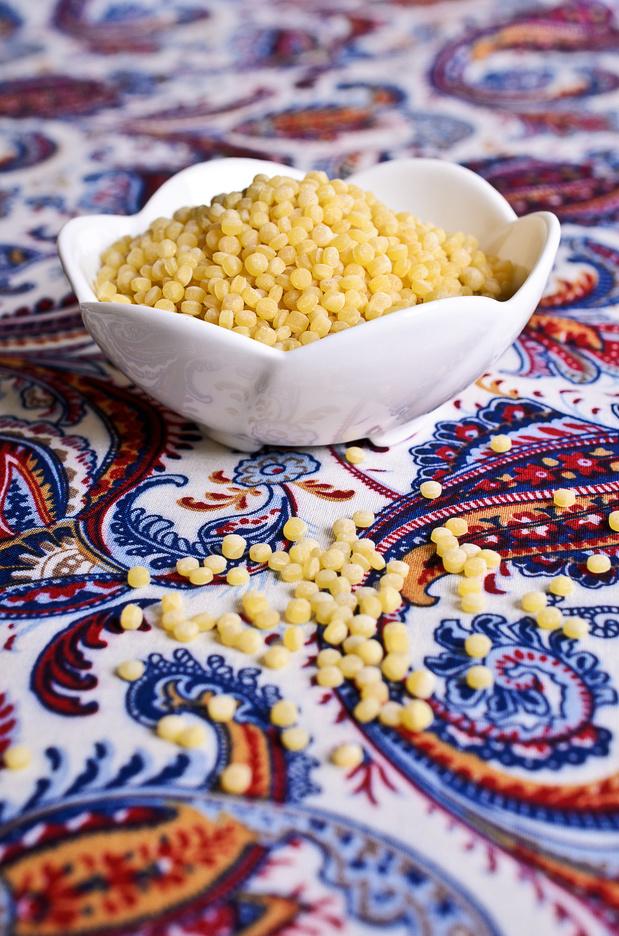 Qu'est-ce que le couscous perlé, ce délicieux féculent en forme de petit plomb ?