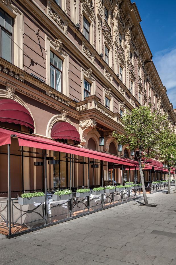 Le Grand Hotel Europe, palace mythique qui a séduit du tsar Nicolas II à Elton John