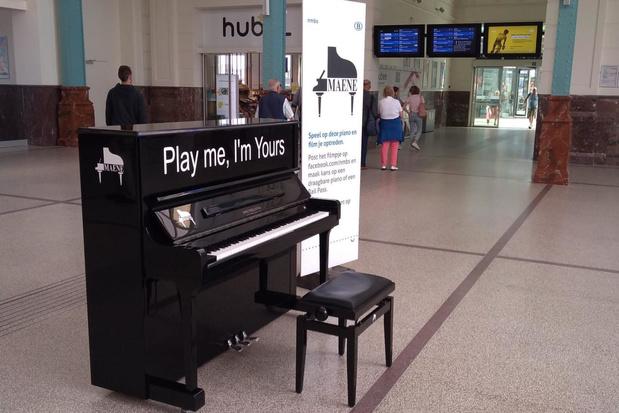 Piano in station van Oostende