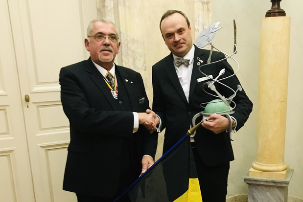 Moorselenaar Ief Vanhonnacker is beste maître d'hôtel ter wereld