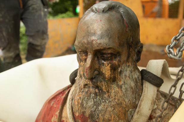 Gent haalt borstbeeld Leopold II weg uit Zuidpark