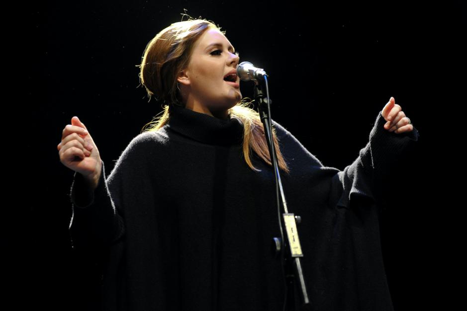 Adele, al tien jaar 21: de vrouw die haar eigen succes nog steeds niet kan geloven
