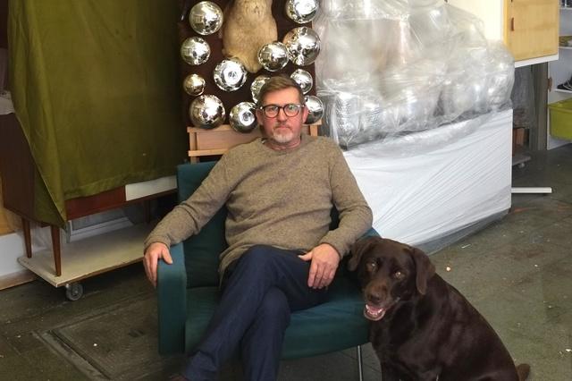 Kunstenaar Rudi Snauwaert uit Dentergem zoekt oude thermossen voor installatie - Krant van Westvlaanderen