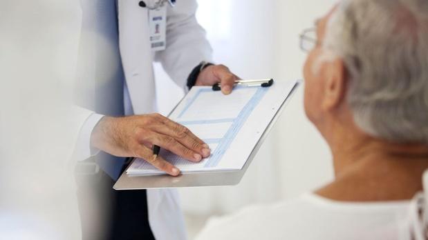 Consultation pharmaceutique en oncologie: une expérience française