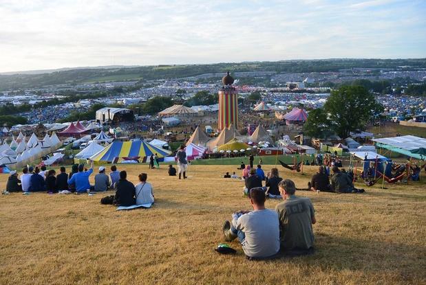 Coronavirus: Glastonbury geannuleerd, Belgische festivals wachten af