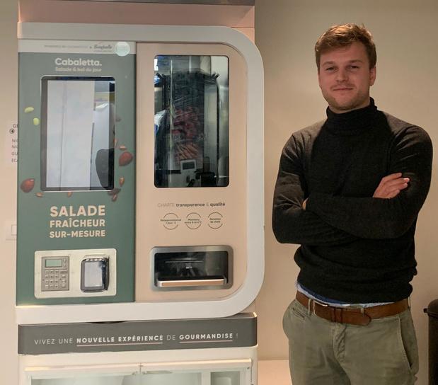 Automaat in Pittem laat de klant zelf zijn salade samenstellen