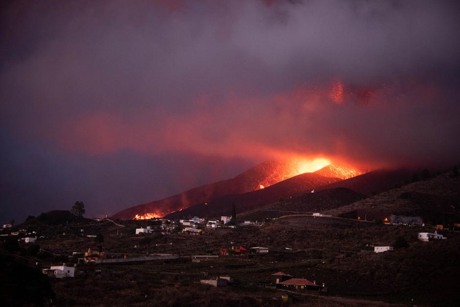 En images: Une semaine d'éruption du volcan Cumbre Vieja aux Canaries