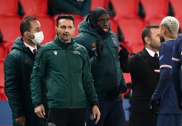 """Racisme: le monde du sport salue le """"tournant"""" PSG-Basaksehir"""